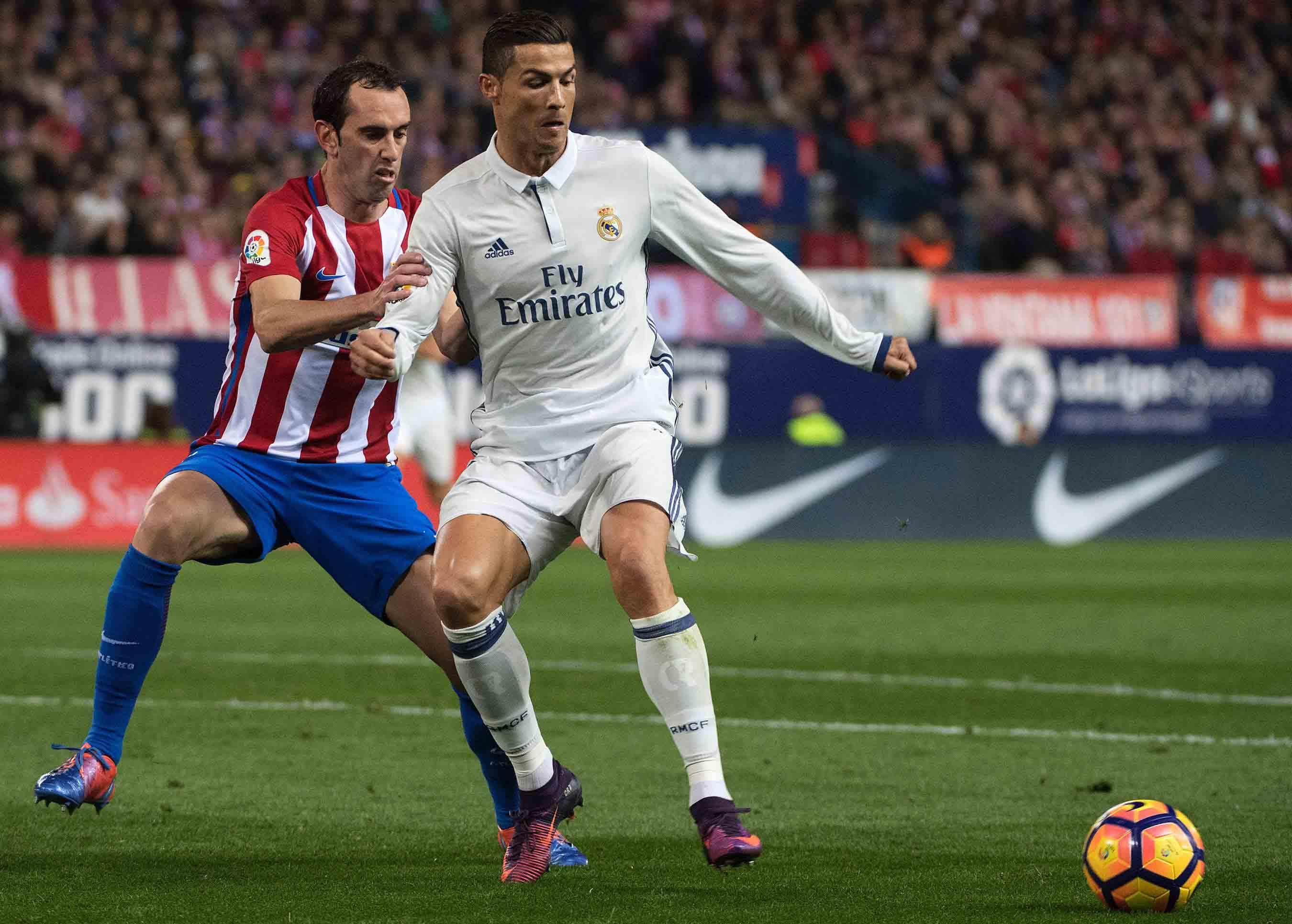 Duelo Defensivo 1x1. Godín y Ronaldo