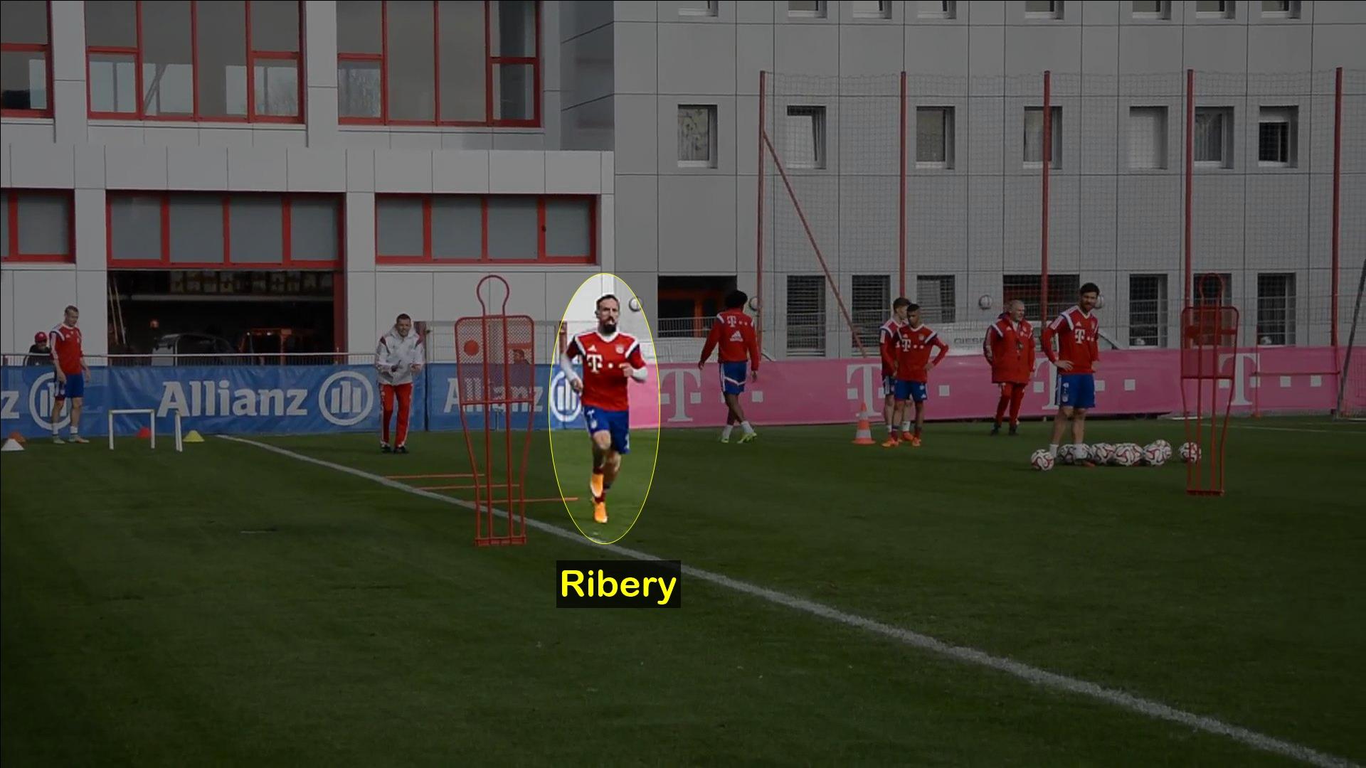 Ribery entrenando en un circuito en el Bayern Munich